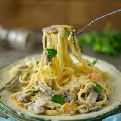 Creamy Carrot Mushroom Spaghetti